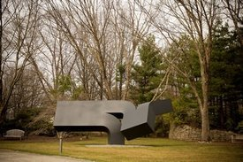 Clement Meadmore's 'Offshoot'
